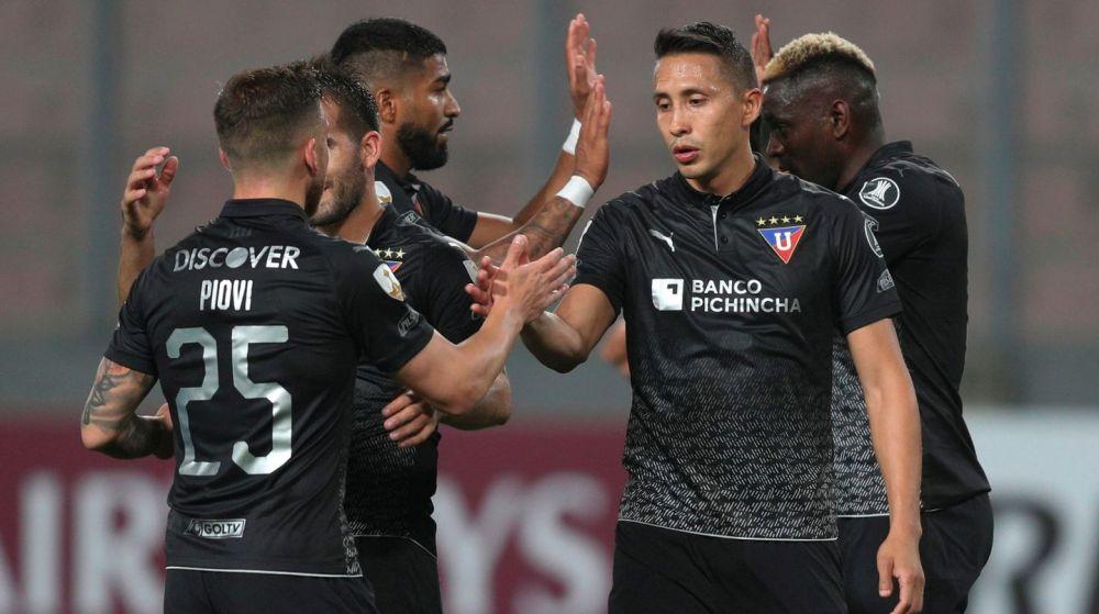 Tras seis meses de suspensión, se reanudó la Copa Libertadores