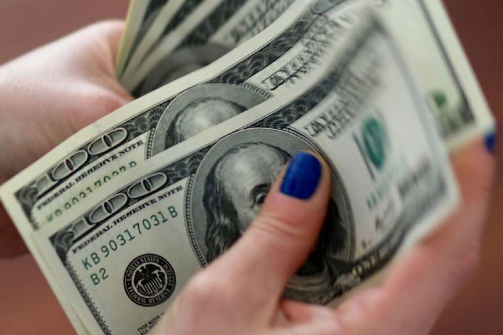 El dólar blue sube a $145 y alcanza un nuevo récord