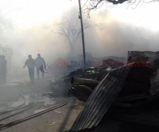 Galería de fotos: Así fue el incendio que destruyó una maderera