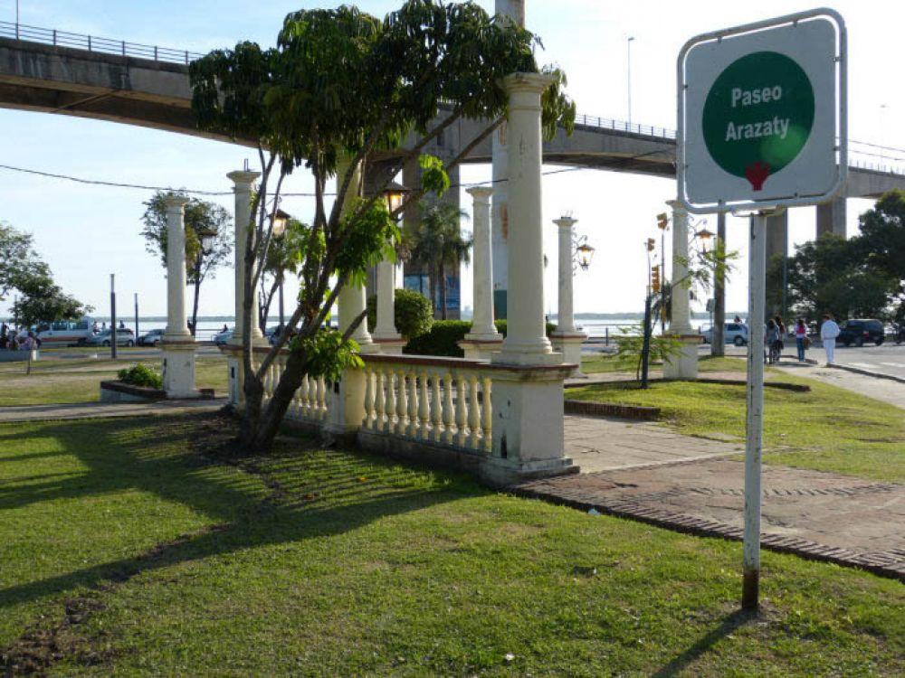 Policía controla parques para evitar la aglomeración de personas
