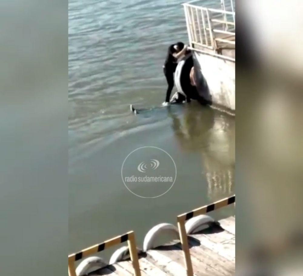 Rescataron a un joven que intentó suicidarse en aguas del Riacho Goya