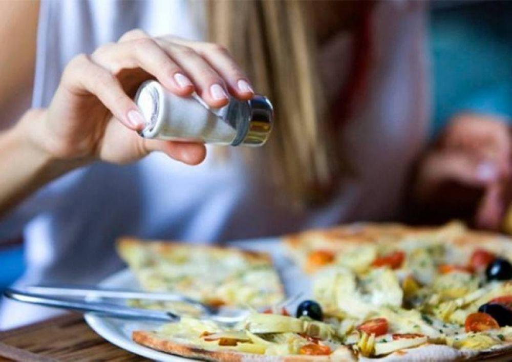 En Goya, prohíben el uso de saleros en los restaurantes