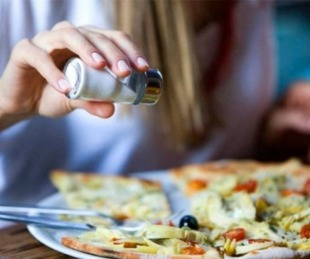 foto: En Goya, prohíben el uso de saleros en los restaurantes