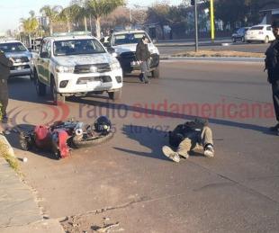 foto: Accidente: intentó esquivar a tres perros y terminó cayendo al asfalto
