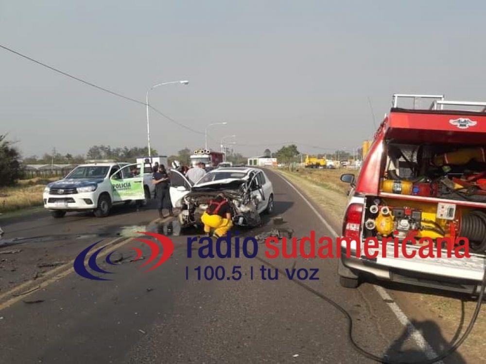 Feroz choque entre dos vehículos sobre Avenida Maipú