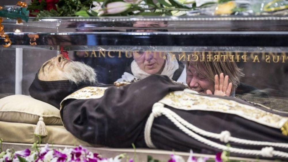 Padre Pío: los estigmas que desaparecieron tras su muerte
