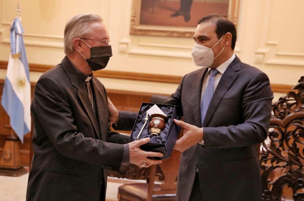 Valdés ratificó su acompañamiento a las comunidades religiosas