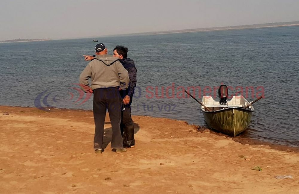 Buzos de Prefectura y seis unidades navales buscan a los cuatro jóvenes