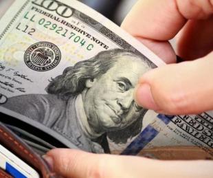 foto: El dólar blue cerró la semana a $145: las ventas paralizadas