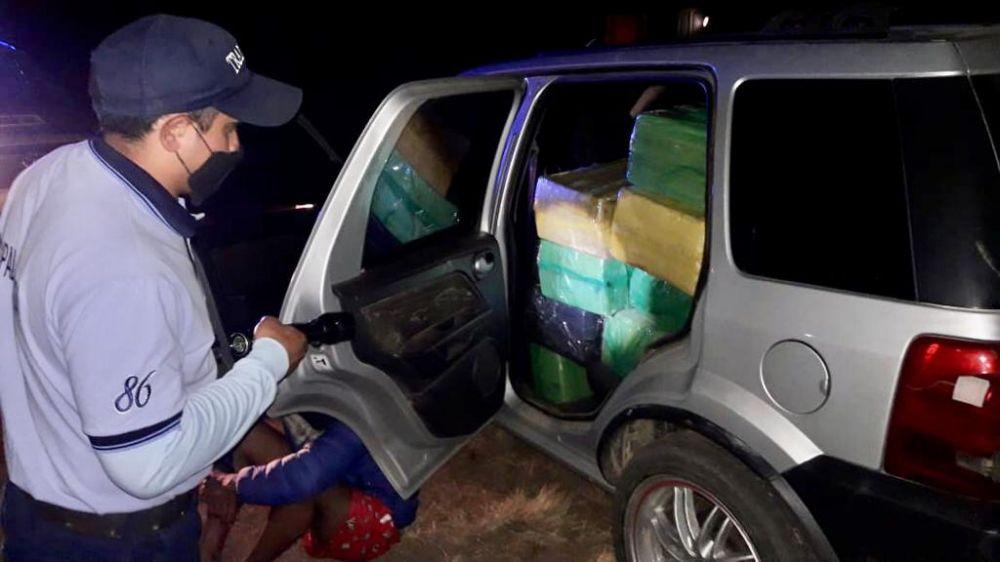 Prefectura detuvo a un hombre e incautó más de 500 kilos de droga