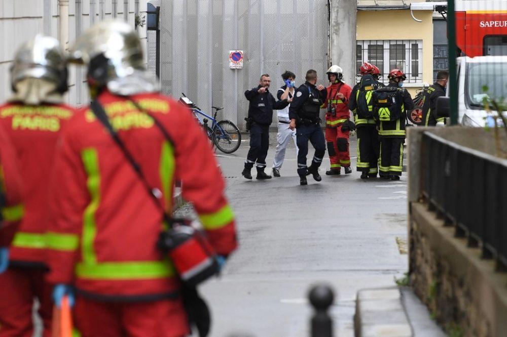 París: hubo cuatro apuñalados cerca de la revista Charlie Hebdo