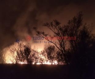 foto: Imágenes del feroz incendio en campos de San Cayetano