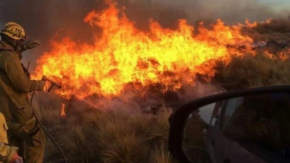Córdoba: piden que vecinos no se arriesguen en los incendios