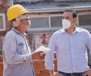 foto: Gustavo Valdés recorrió la construcción de la Comisaría Sexta