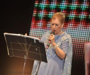 foto: En el Teatro Vera se prepara para el homenaje a Ramona Galarza