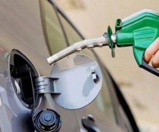 foto: Se postergó hasta  octubre la suba en el impuesto a los combustibles