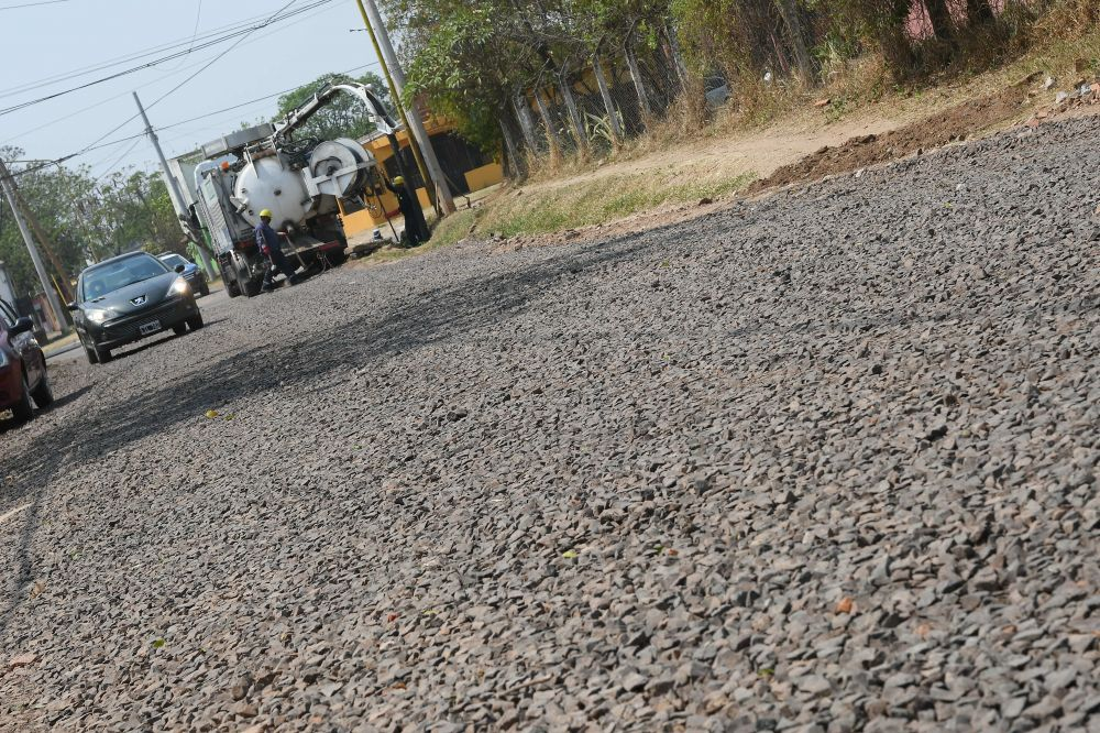 Enripiado: Tassano supervisó obras en barrios de la ciudad