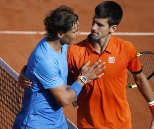foto: A qué hora juegan Nadal y Djokovic en la súper final de Roland Garros
