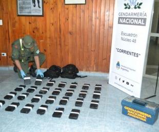 foto: Incautaron 28 kilos de cocaína que era trasladada en un automóvil