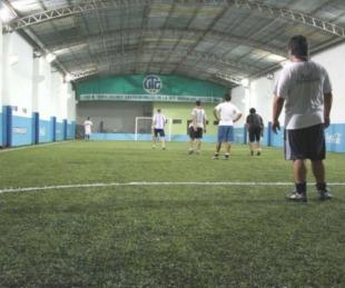 foto: Ituzaingó habilita fútbol 5, piletas públicas y deportes en equipo