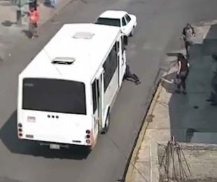 foto: Video: colectivo hizo desaparecer a una mujer ¿era un fantasma?