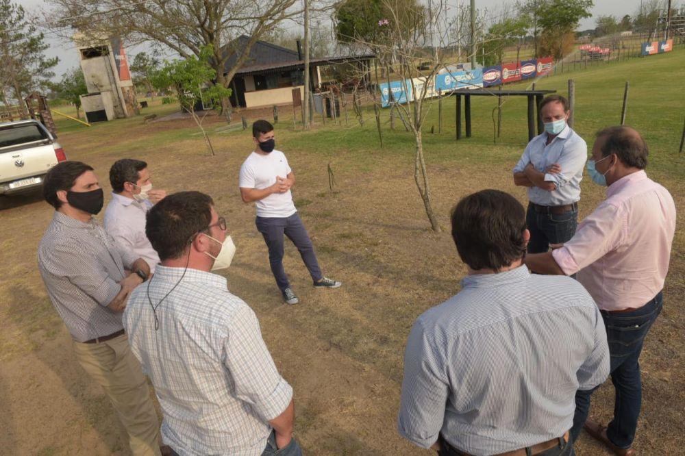 Instituciones se benefician con el programa nacional Clubes en Obras