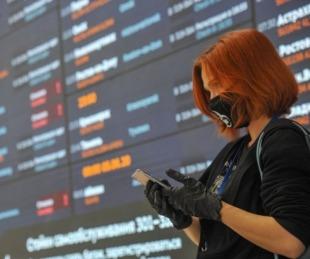 foto: E.E.U.U.: una mujer de 30 años murió por COVID-19 en un avión