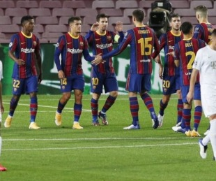 foto: Con gol de Messi, Barcelona goleó en su debut en Champions League