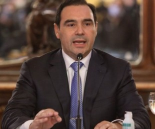 foto: Valdés promulgó leyes de expropiación de predios en Capital