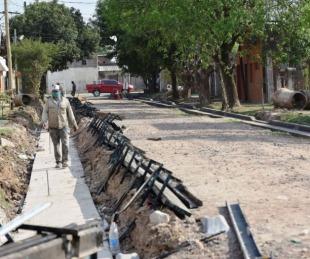 foto: Avanzan las obras de cordón cuneta en el barrio Juan de Vera