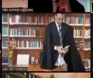 foto: Un juez apareció en calzoncillos, en plena sesión por Zoom