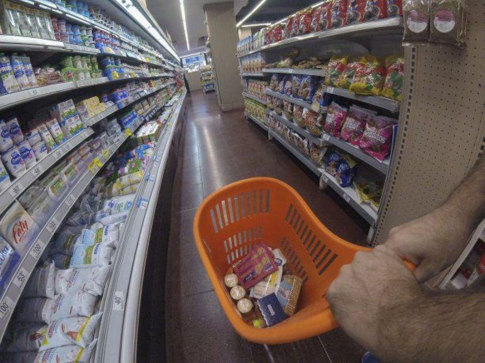 Ventas en supermercados registran en agosto su peor caída del año