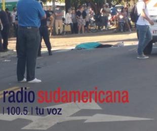 foto: Joven iba en moto y murió tras ser aplastada por un camión