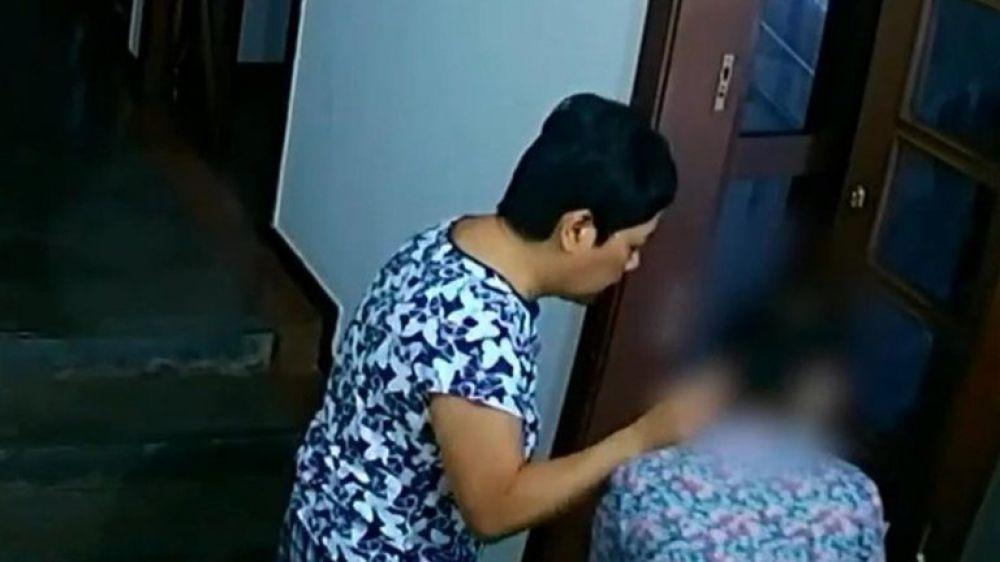 La embajadora de Filipinas en Brasil fue captada golpeando a una empleada doméstica