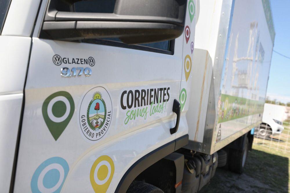 Valdés inauguró un frigorífico y entregó viviendas en Gobernador Martínez