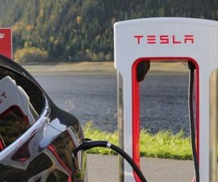foto: Localiza a ladrones que se llevaron su Tesla y se venga sin piedad