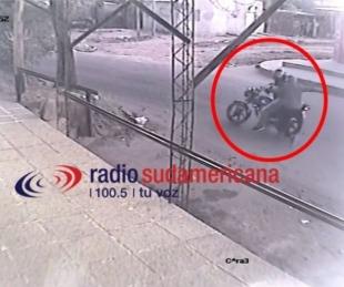 Tras intentar robarle el celular a motociclista detuvieron a