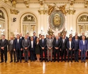 foto: Gustavo Valdés entre los cinco gobernadores con mejor imagen