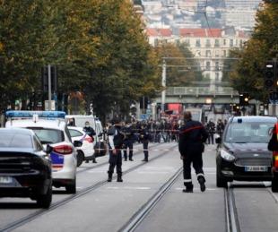 foto: Ataque terrorista en Francia dejó tres muertos y varios heridos
