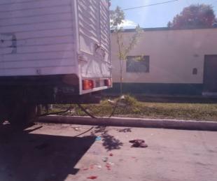 foto: Murió una adolescente de 15 años tras chocar con un camión estacionado
