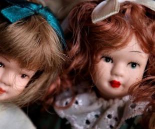 foto: Video: halló una habitación secreta llena de muñecas escalofriantes