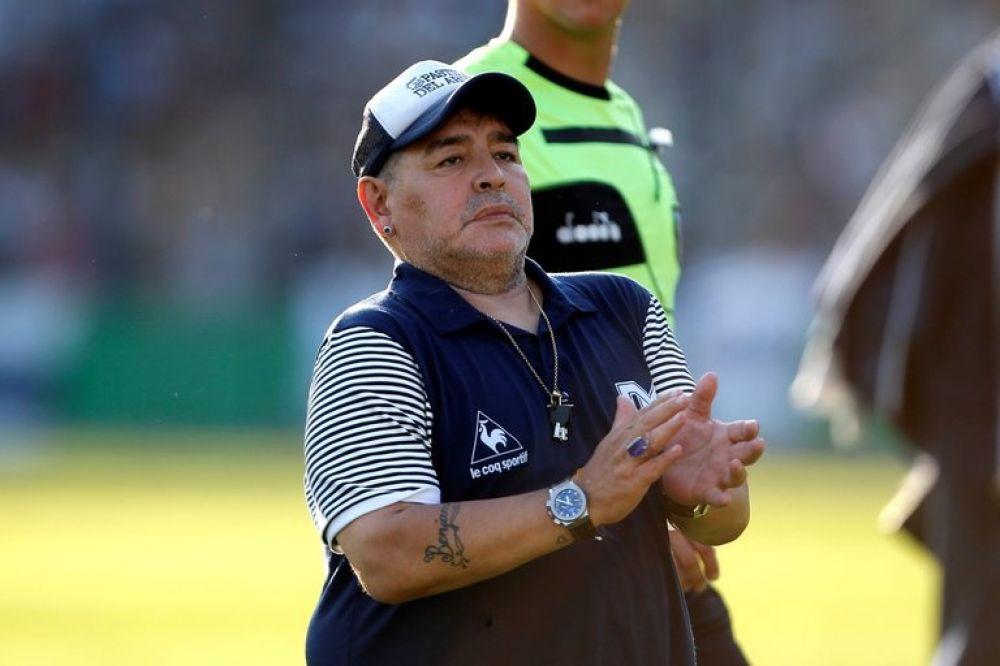 Maradona tiene un hematoma en la cabeza y será operado