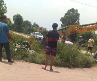 foto: Conductor cayó con su auto a una zanja y se salvó de milagro