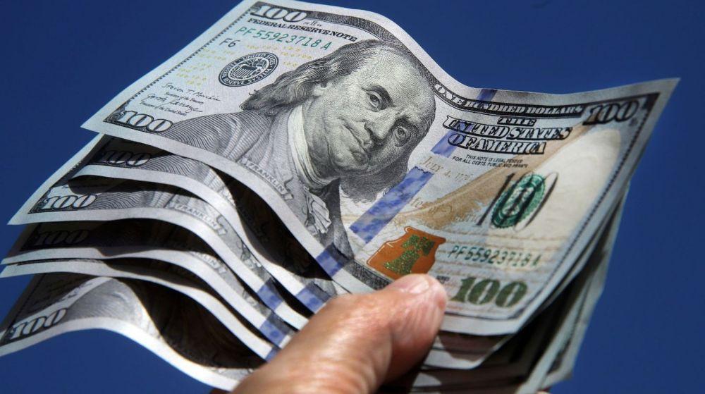 Dólar blue baja seis pesos y se vende a $ 151, el menor valor en un mes
