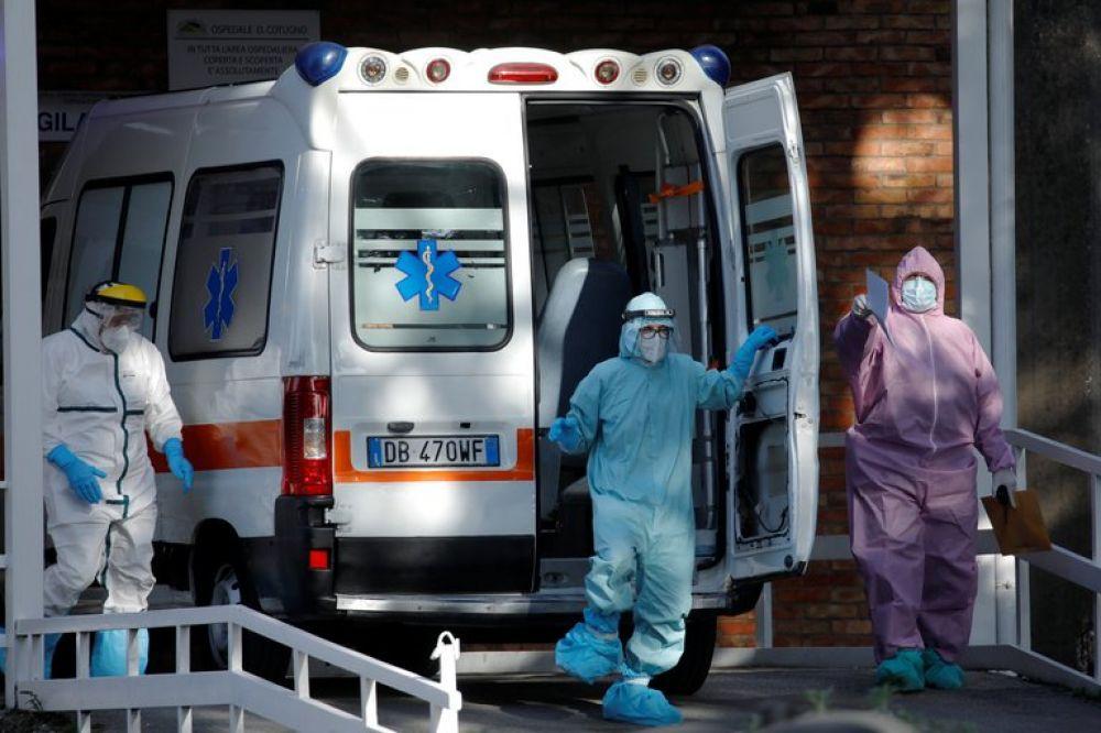 Médicos italianos pidieron el cierre total del país ante el colapso de hospitales