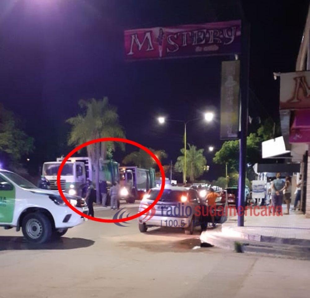 Camiones de la empresa Lusa chocaron en plena Av. Cazadores
