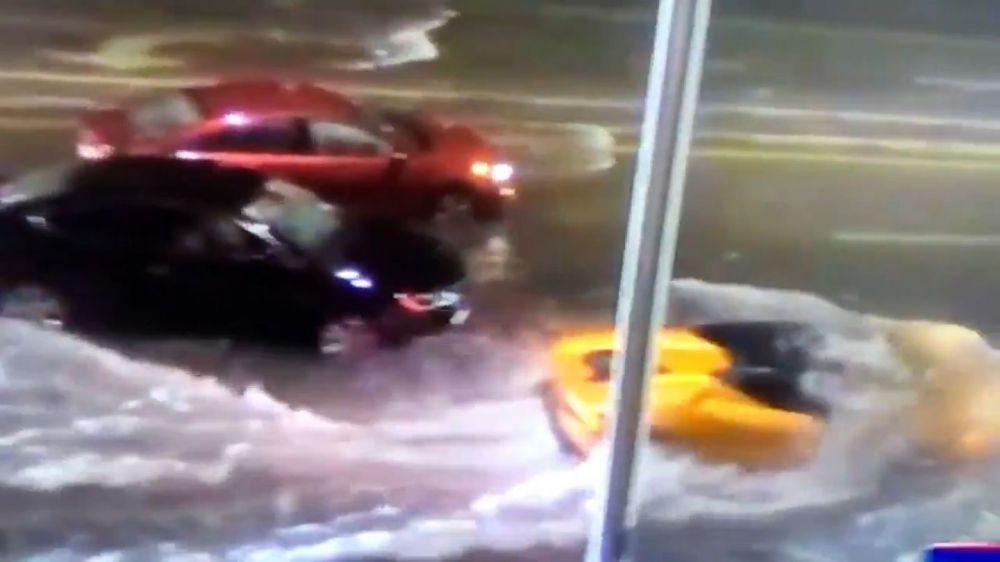 Lamborghini Aquaman: así se sumergió un descapotable al cruzar una inundación