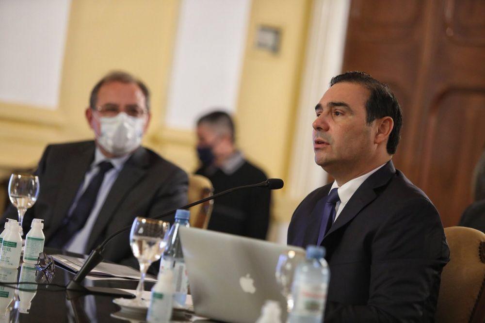 Darán detalles del funcionamiento del Hospital de Campaña y luego hablará Valdés