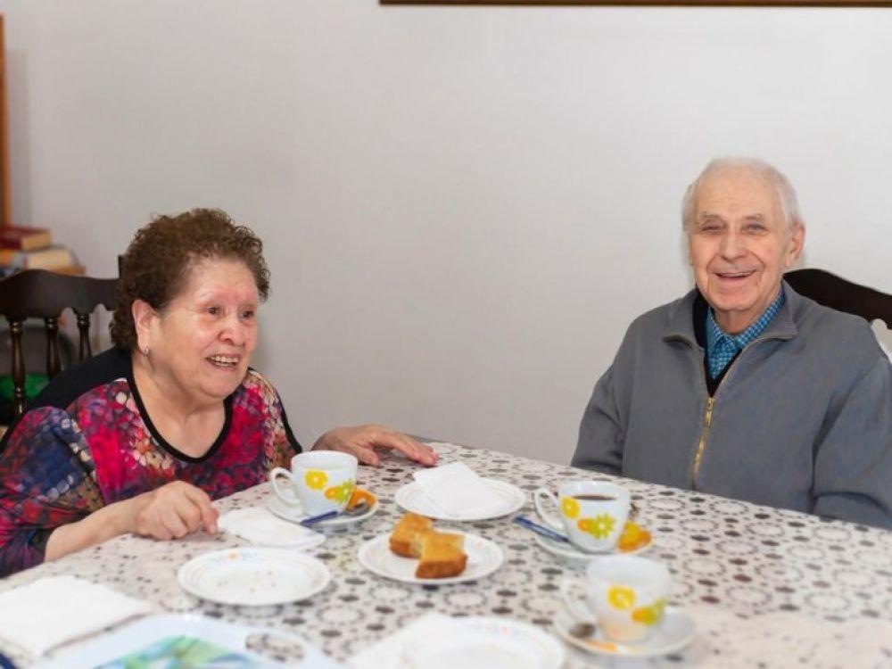 Fueron pareja por 53 años y murieron el mismo día por COVID-19