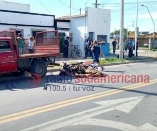 foto: Motociclista murió tras impactar contra una camioneta estacionada